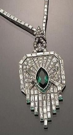 ♥️ #Capri #Jewelers #Arizona ~ http://www.caprijewelersaz.com ♥️ Emerald and diamond necklace