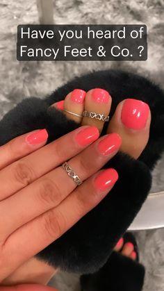 Peep Toe Heels, High Heels, Toe Designs, Feet Nails, Dental Floss, Beautiful Toes, Acrylic Gel, Pedicures, Pedicure
