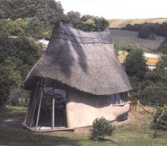 n example of a modern cob house in Devon County. Source: www.cobcottage.com
