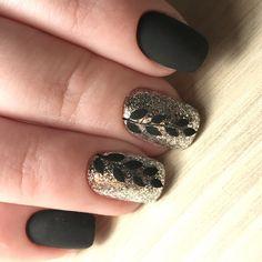 66 Ideas Nails Short Matte Black For 2019 Nail Art Design Gallery, Best Nail Art Designs, Foil Nail Art, Foil Nails, Ring Finger Nails, Matte Black Nails, Short Nails Art, Nail Blog, Beautiful Nail Art