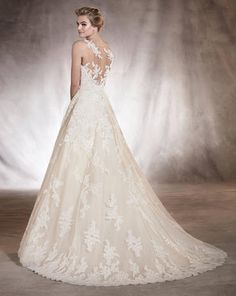 Wedding Dress Boutiques In Maryland Pronovias Wedding Dress, Lace Wedding Dress, Wedding Bridesmaid Dresses, Bridal Dresses, Most Beautiful Dresses, Beautiful Wedding Gowns, Vestidos Vintage, Vintage Dresses, Fantasy Wedding Dresses