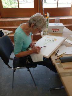 www.akademie-geras.at Illustrator, Furniture, Home Decor, Decoration Home, Room Decor, Home Furnishings, Home Interior Design, Illustrators, Home Decoration