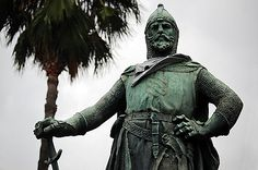 This image shows a bronze statue of Roger de Llúria created by sculptor Josep Reynés in 1885. This sculpture also belongs to the series of 8 sculptures created to showcase Catalan heroes, and is also one of only 3 remaining statues. Navy Admiral Roger de Llúria is famous for his defeat of the French Navy in the battle of Formigues in 1285, pushing French occupation out of Catalonia. For this reason, I find it very fitting that this statue is exhibited at the entrance of Parc de la…