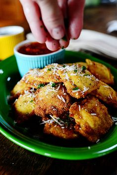Toasted Ravioli. Oh I want these now!!