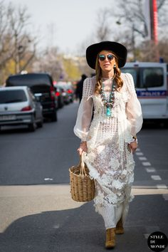 Paris Fashion Week FW 2015 Street Style: Anna Dello Russo - STYLE DU MONDE | Street Style Street Fashion Photos