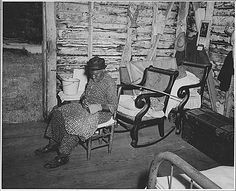 This one-room cabin is the home of an ex-slave. Too old to work, she is taken care of by the descendants of the family to whom she belonged. (NAID 521416)