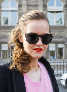 Oversize-sunglasses-Paris-Fashion-Week-FW-12-122