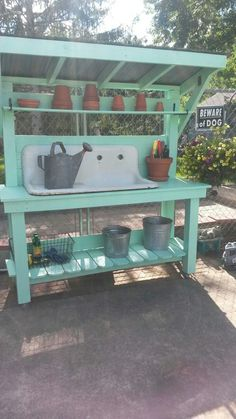 garden pots Love this bench 48 Creative Potting Bench Plans to Organized and Make Gardening Work Easy garden table potting benches Outdoor Potting Bench, Potting Bench Plans, Potting Tables, Potting Sheds, Potting Bench With Sink, Farmhouse Potting Benches, Potting Soil, Outdoor Storage, Garden Table