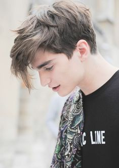 hair and beard styles Alexander Ferrario 188 handsome # # Teen Boy Hairstyles, Undercut Hairstyles, Male Hairstyles, Men's Medium Hairstyles, Hairstyles 2018, School Hairstyles, Alexander Ferrario, Medium Hair Styles, Short Hair Styles