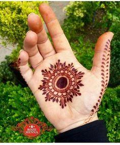 Palm Henna Designs, Round Mehndi Design, Palm Mehndi Design, Henna Tattoo Designs Simple, Finger Henna Designs, Mehndi Designs Book, Mehndi Designs For Beginners, Modern Mehndi Designs, Mehndi Designs For Girls