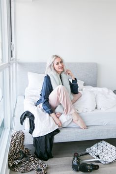 How to sleep better faster. My bedtime rituals to ensure a perfect night's sleep. My favourite silk pajamas.