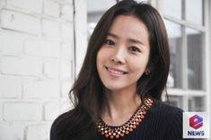 Do you know this #kactress? Click to find out! Han Ji Min, Korean Actresses, Korean Beauty, Korean Drama, Dramas, How To Find Out, Target, Beautiful Women, Actors