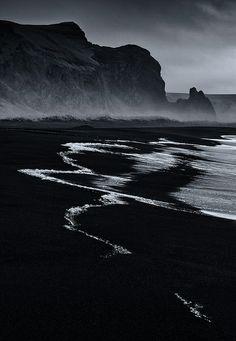 Vik Beach by plndrw, via Flickr
