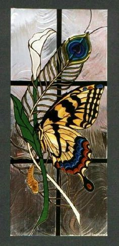 Butterfly Stained Glass <><> one day I will take a class in this art Stained Glass Designs, Stained Glass Panels, Stained Glass Projects, Stained Glass Patterns, Leaded Glass, Stained Glass Art, Mosaic Art, Mosaic Glass, Glass Butterfly
