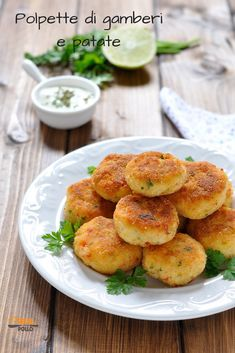 Latest Recipe, Cannoli, Frittata, Fish Recipes, Buffet, Finger Foods, I Foods, Baked Potato, Chips