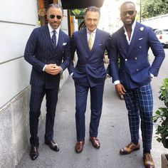 Good Morning to All of You!! With my friends from New York Christopher and Martel @koreyfrancois Be Gentle...Be Generous..!! Peace Love and a lots of Passion!!! #style #milano #newyork #menwithstyle #ootd #menwithclass #italian #smile #sprezzatura #menfashion #albazarmilano #peace #love #passion
