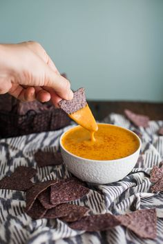 Vegan Nacho Cheese Sauce- this recipe is super easy to make plant based and de Vegan Nacho Cheese Sauce- this recipe is super easy to make plant based and delicious as a dip or on nachos! Source by bfota Vegan Cheese Recipes, Vegan Sauces, Delicious Vegan Recipes, Yummy Food, Vegetarian Snacks, Vegan Appetizers, Vegan Desserts, Vegan Food, Vegan Meals