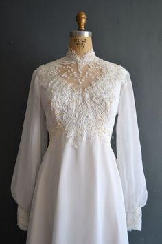 wedding dress / wedding dress / Kerry wedding dress / wedding dress / Kerry See it 1970s Wedding Dress, Chiffon Wedding Gowns, Lace Wedding Dress, White Wedding Dresses, Wedding Dress Styles, Bridal Dresses, 1970s Dress, Dresses Short, Trendy Dresses
