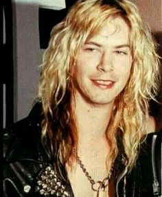 I like my men with long hair and tight leather pants. Guns N' Roses. Guns N Roses, Axl Rose, Duff Mckagan, Velvet Revolver, Slash, 80s Rock, Jon Bon Jovi, Van Halen, Def Leppard