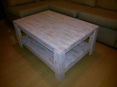 Mesa ratona de living patinada en madera de pallet