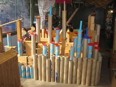 Loose parts and castle building: plastic loose parts as turret roofs