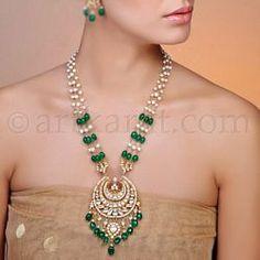 Jivanshi Necklace India Jewelry, Jade Jewelry, Pendant Jewelry, Wedding Jewelry, Diamond Jewelry, Bollywood Jewelry, Simple Jewelry, Beaded Necklace, Tatting Necklace