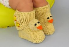 FREE Baby Chick Boots (Booties) | Craftsy