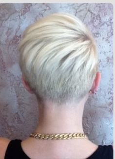 Cool back view undercut pixie haircut hairstyle ideas 33 Wish I could pull this off! I'd get rid of all my hair! Undercut Pixie Haircut, Hairstyles Haircuts, Cool Hairstyles, Blonde Hairstyles, Short Undercut, Pixie Haircuts, Short Hair Cuts, Short Hair Styles, Pixie Cuts