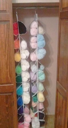 My Creative Endeavors: Good space-saving organizational idea for my yarn.