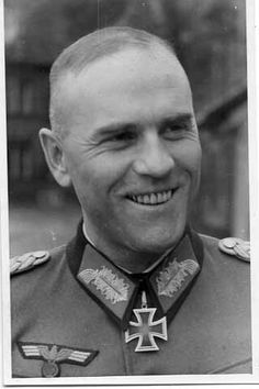Generalleutnant Helmut Staedke (30 August 1905 - 03 September 1974), Chief of Operations (Ia) 20. Panzer Division, Chief of the General Staff XXXV. Armeekorps, 9. Armee, Heeresgruppe G, commander of 198. Infanterie Division. Knight's Cross on 14 August 1943. He was captured by American troops 08 May 1945 and was released in 1947.