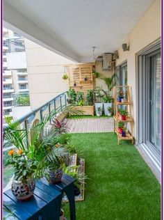 75 Cozy Apartment Balcony Decorating Ideas In a city apartment, in a high-rise building, the land is removed from you. And having laid on a balcony a green rug, you receive a lawn – right within walking distance! Small Balcony Design, Small Balcony Garden, Small Balcony Decor, Terrace Design, Terrace Garden, Garden Design, Balcony Ideas, Outdoor Balcony, Terrace Ideas