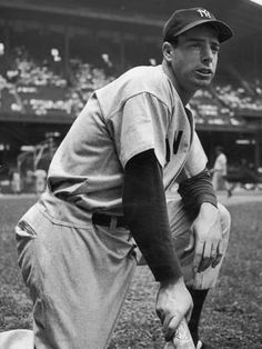 Baseball player Joe DiMaggio kneeling in his New York Yankees Uniform, by Alfred Eisenstaedt Baseball Scores, Baseball Training, Baseball League, Sports Baseball, Baseball Players, Baseball Tickets, Baseball Field, Baseball Jerseys, Baseball Bats