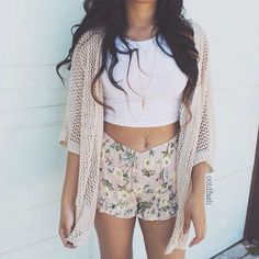 OMG! This is like the cutest outfit ever! Love it! So perfect for summer!