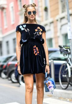 The Best Celebrity Bag Looks of Milan Fashion Week Spring 2017