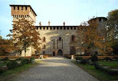 italianways:  Grazzano Visconti Piacenza.  (via Italian Ways)