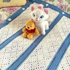 Crochet Blanket - Häkeldecke.  #haekeln #blanket #crochet #cute #häkelnmachtglücklich #crochetersofinstagram #crocheting #crochetplace #häkeln #handarbeit #joachimsorgenfrei #haekeln.com