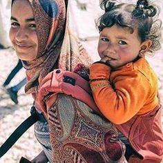 via @carrythefuture  #bobalove #refugeeswelcome photo credit: Ashley Wiley