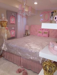 Plush teen girl bedrooms planning for a delightful teen girl bedroom decor, pin ref 6498629710 Girl Bedroom Designs, Room Ideas Bedroom, Girls Bedroom, Cute Room Ideas, Cute Room Decor, Chanel Room, Pink Bedrooms, Lilac Bedroom, Glam Room