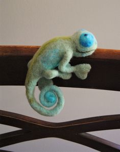 Reptile, Eco friendly toy, Felted chameleon,Reptile,Wool chameleon,Felted sculptures, Toy Felt, Needle Felted Animals, Birthday gift by angel4eva on Etsy https://www.etsy.com/ca/listing/501771797/reptile-eco-friendly-toy-felted #feltanimals