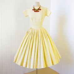 so much better in person!    -1950s gigi young new york full skirt pin-up party dress    GiGi Young was a sister label to Suzy Perette. This label