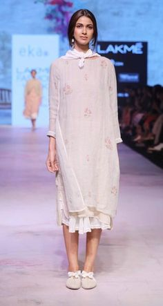 Eka by Rina Singh - Lakme Fashion Week - SR 17 - 1 Source by indiancottons Outfits indian India Fashion Week, Lakme Fashion Week, Fashion Weeks, Boho Outfits, Indian Outfits, Casual Outfits, Indian Clothes, Dress Paterns, Indian Designer Wear