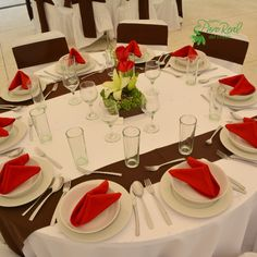 #Montaje en #Blanco #Chocolate y #Rojo #Bodas Quinta Pavo Real del Rincón www.pavorealdelrincon.com.mx