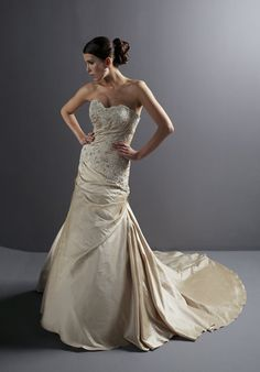 Sweetheart Taffeta Cream Pleated Strapless Sweep Length Dress