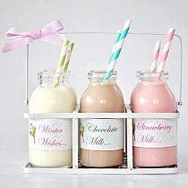 Have a milk bar for your wedding - a fun non-alcoholic drink station for the non-drinkers and kids Milk Shakes, Milk Cookies, Cookies Et Biscuits, Glace Fruit, Deco Cupcake, Beaux Desserts, Mini Milk, Flavored Milk, Strawberry Milk