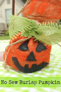 DIY Halloween : DIY Burlap Pumpkins DIY Halloween Decor