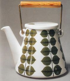 Enamelware kettle designed by Stig Lindberg. I really wish I could find one of these. I have a couple Stig items but this one would be amazing to have out.