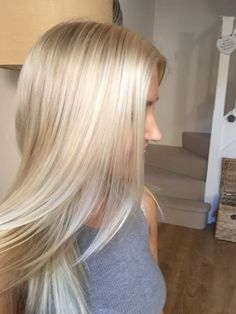 My amazing friend did my hair #creamyblonde #loreal