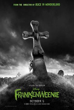 "Walt Disney Pictures has just revealed the movie poster for Tim Burton's movie ""Frankenweenie."" The stop-motion movie will arrive in theaters on October 2012 . Beau Film, Winona Ryder, Film D'animation, Film Serie, Film Disney, Disney Movies, Stop Motion, Film Tim Burton, Black"