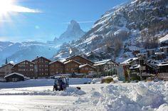 Eisbahn im Dorf Zermatt. Zermatt, Mount Everest, Highlights, Places To Visit, Mountains, Nature, Travel, Ice Rink, Naturaleza