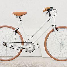 Woman bike, renewed by me. #bike #bikelife #cyclechic #velolove #cycling #cyclestyle #urbanbike #white #singlespeed #design #bicicletta